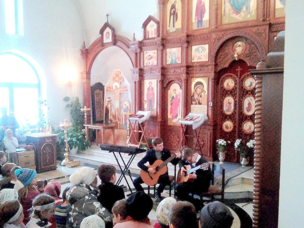 Рождественский детский концерт в Казанском храме поселка Радужный